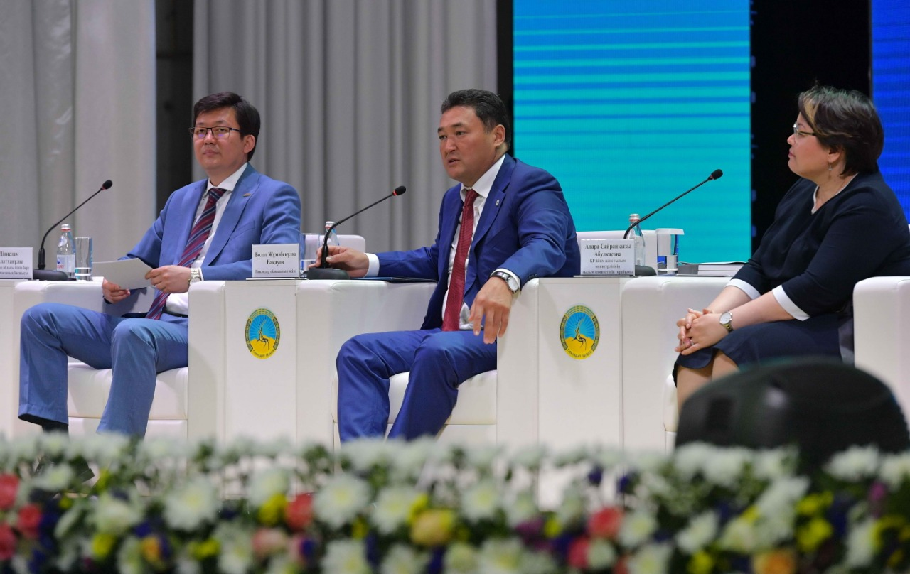 Pavlodar oblysynda kóp balaly otbasy balalaryn taǵammen qamtýǵa 722,3 mln teńge bólindi