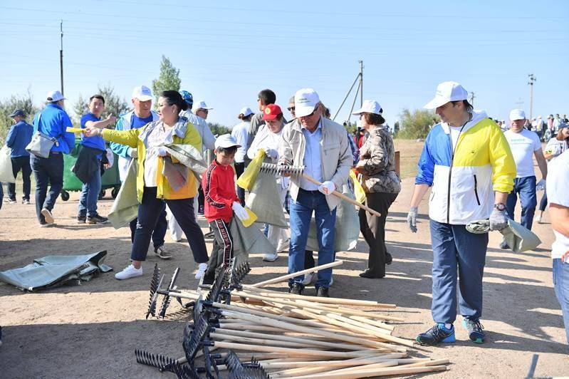 #Birge #TazaQazaqstan: Мәжілісмендер 7 тоннаға жуық қоқыс жинады
