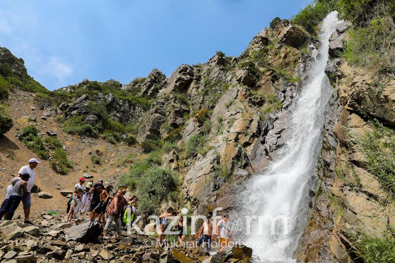Óńirler arasyndaǵy básekelestikti kúsheıtý qajet – Kazakh Tourism