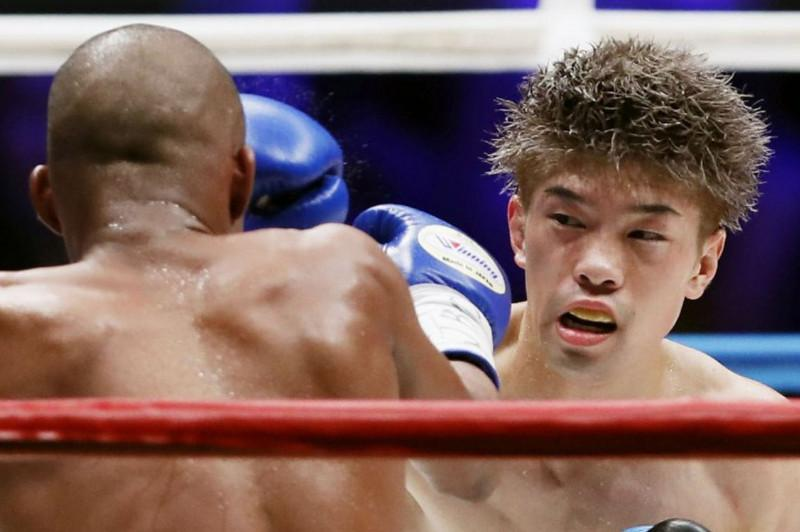 Boxing: Tanaka beats Gonzalez in 2nd defense of WBO flyweight belt