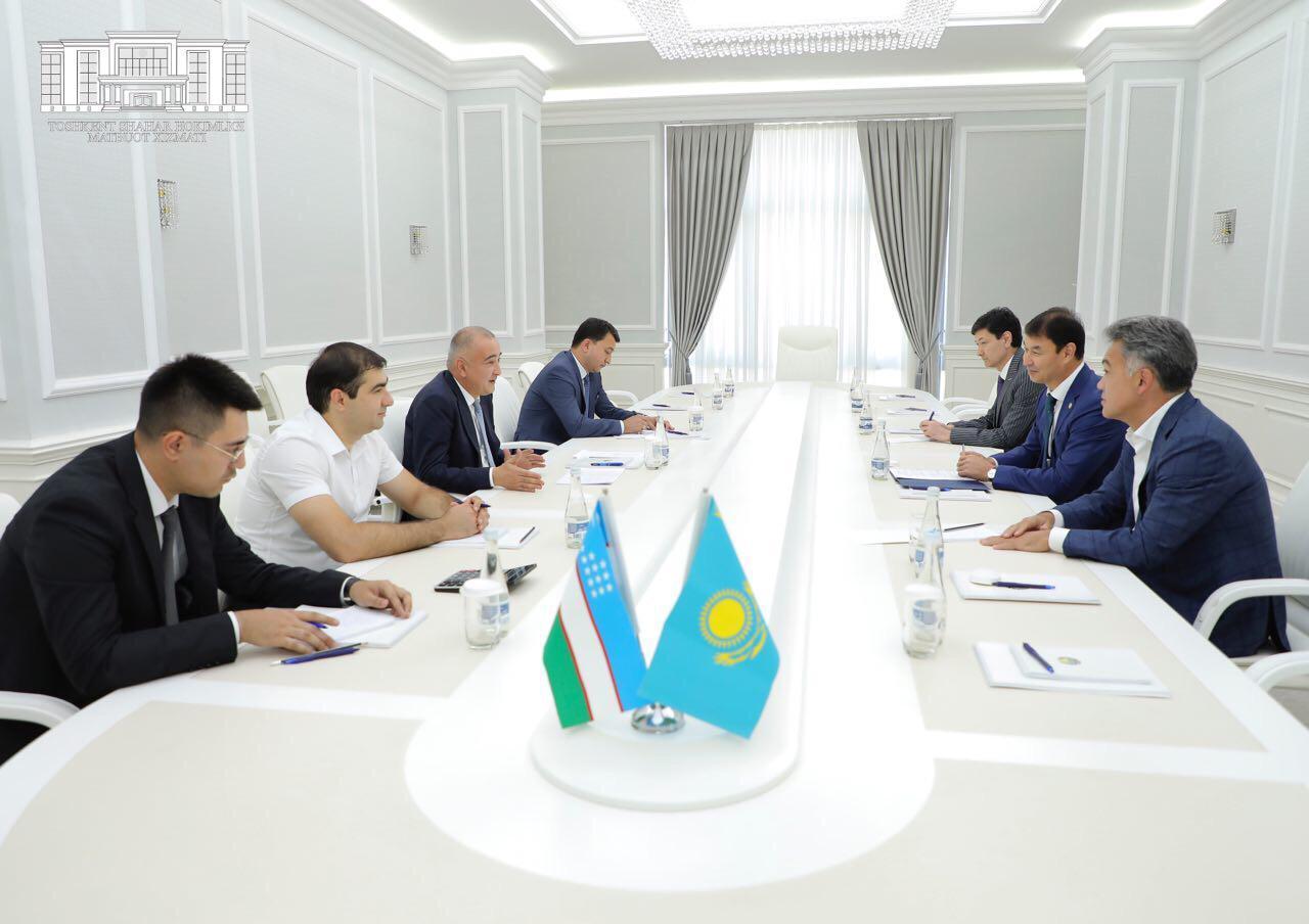 Qazaqstan elshisi Tashkent hokımimen kezdesti