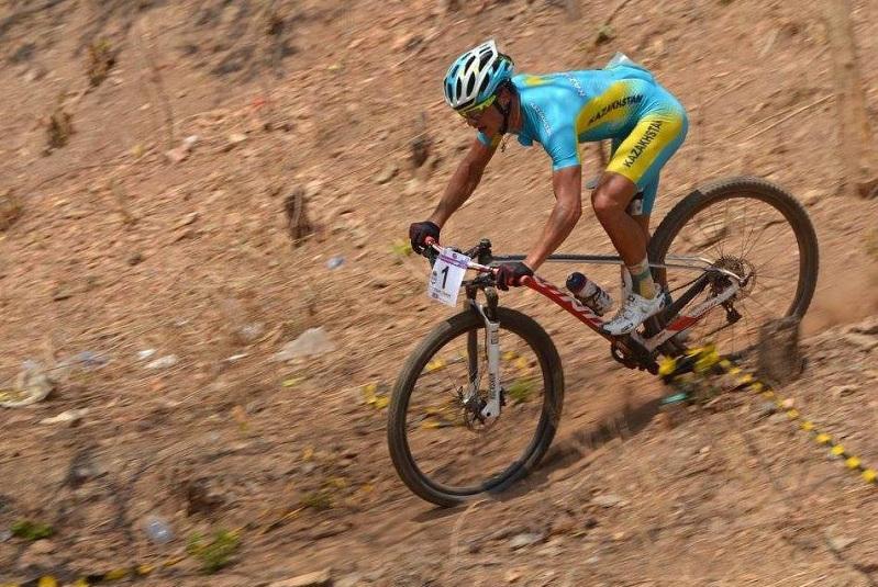Казахстанецзавоевал «золото» на этапе Кубке Азии по маунтинбайку