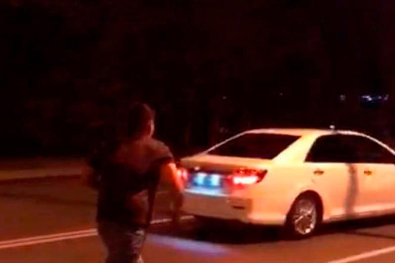 Подробности наезда на мужчин в Алматы рассказали в полиции