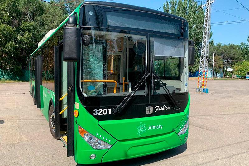 Почему в Алматы вовремя не поставили 200 новых автобусов