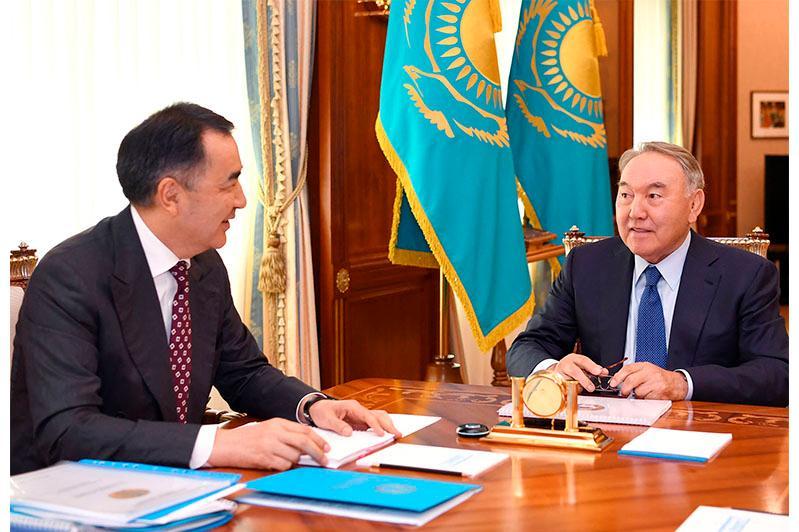 纳扎尔巴耶夫接见阿拉木图市长