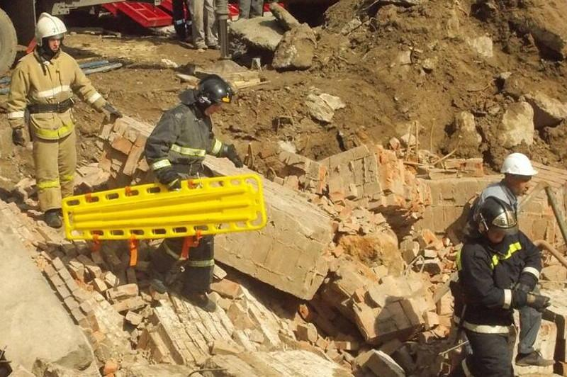 俄罗斯新西伯利亚市一建筑倒塌 致11人被埋废墟