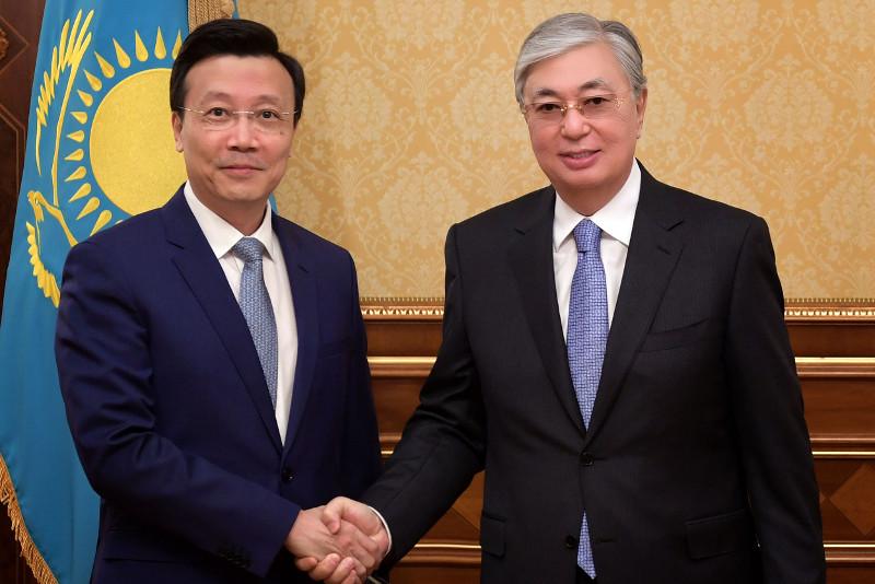 托卡耶夫:哈萨克斯坦愿加强同中国的合作