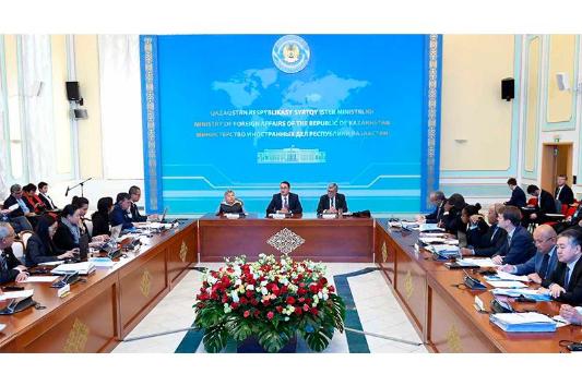 无核武器区国际研讨会在哈萨克斯坦外交部举行