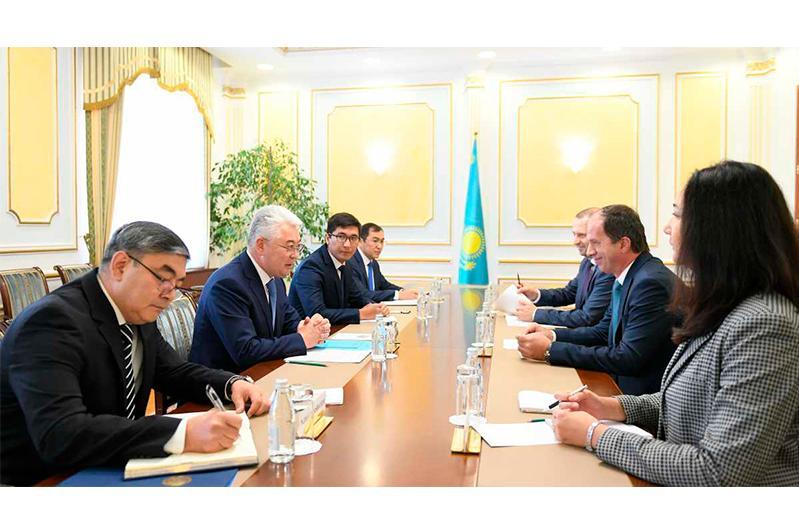 外长阿塔穆库洛夫会见联合国开发计划署和儿童基金会代表