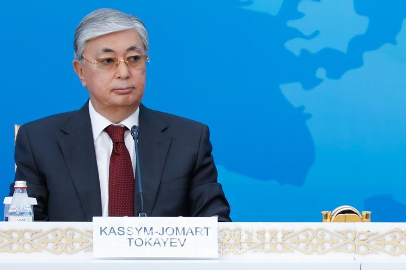 哈萨克斯坦总统就中东和朝鲜局势表示担忧