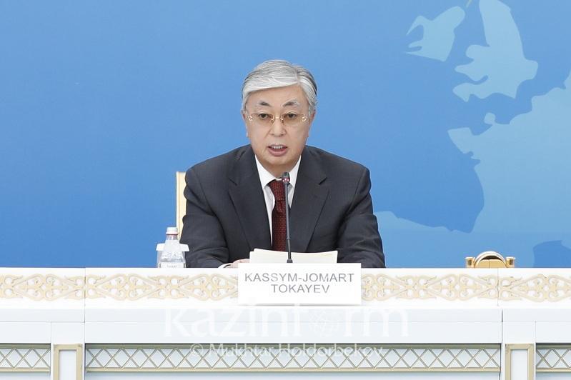 托卡耶夫总统:国际紧张态势仍然存在
