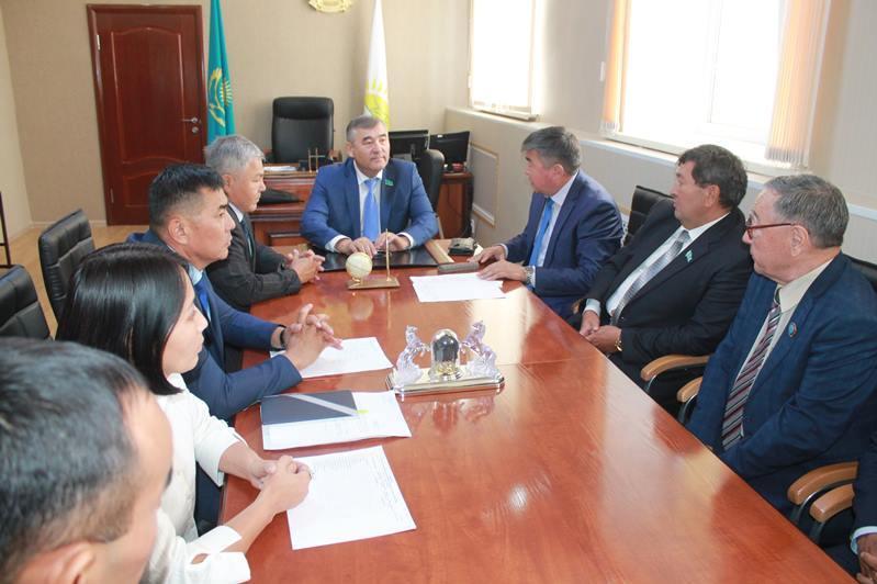 Сенатор Дуйсенгазы Мусин посетил Абайский район ВКО