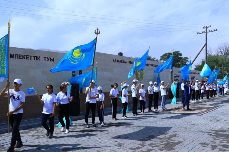Түркістан:Түлкібас кентінде «Рәміздер алаңы» ашылды