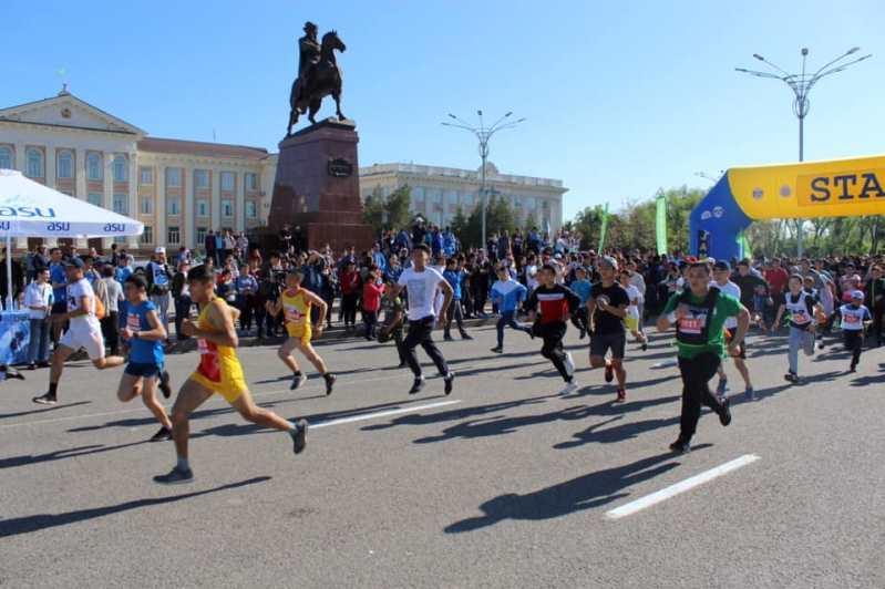 «Президентскую милю» пробежали таразцы в честь Дня Конституции
