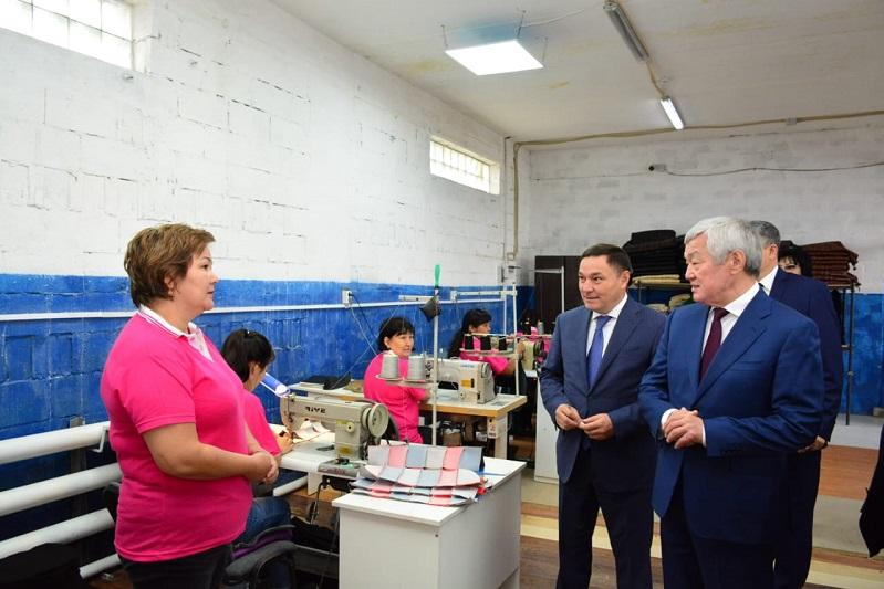 Kazakh ministers visit schools, congratulate kids on Knowledge Day