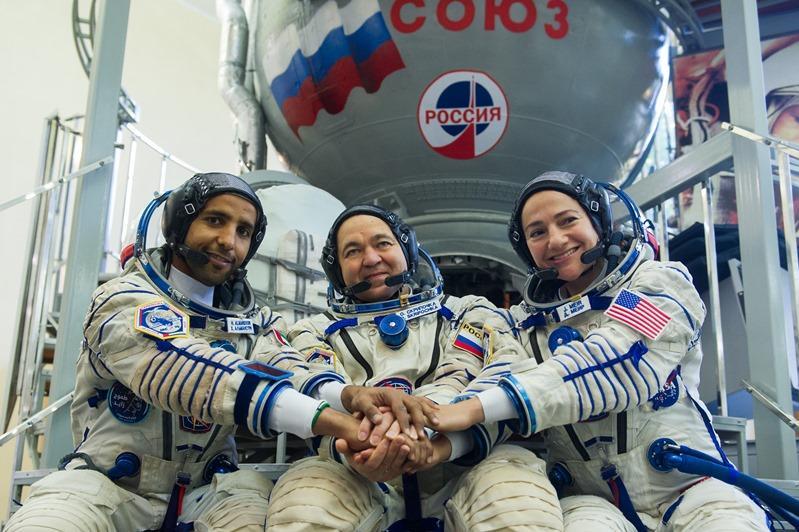 阿联酋首位宇航员下月将从哈萨克斯坦启程前往太空