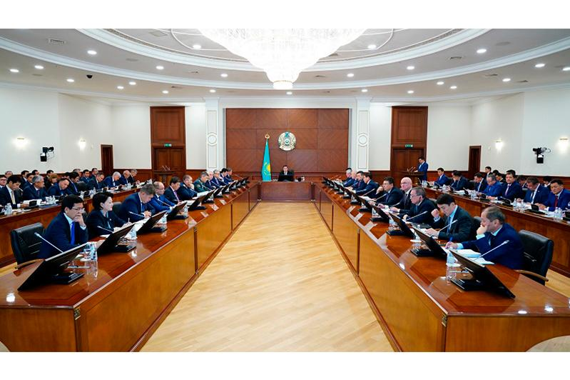 Cabinet discusses key provisions of 2019 Presidential Address