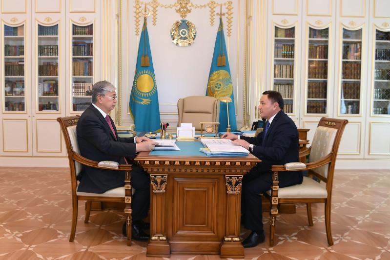 托卡耶夫接见阿克莫拉州州长