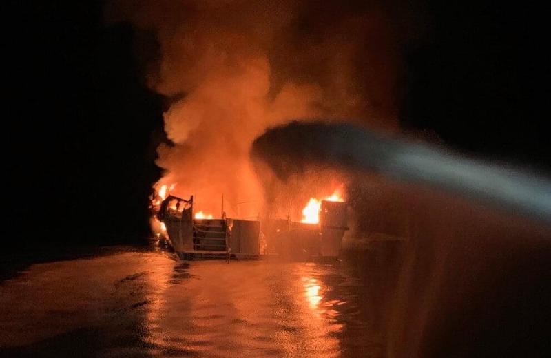 美国加州南部游船失火事故已致8人死亡