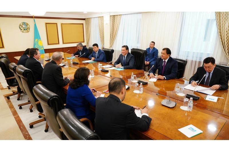 政府总理会见雪佛龙股份有限公司董事会主席