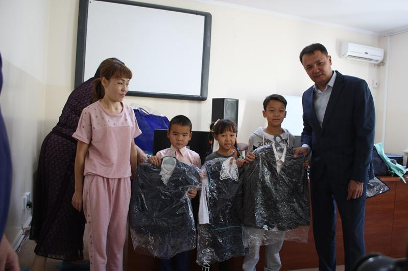 Түркістан облысында көпбалалы отбасының балаларына қайырымдылық көмек көрсетілді