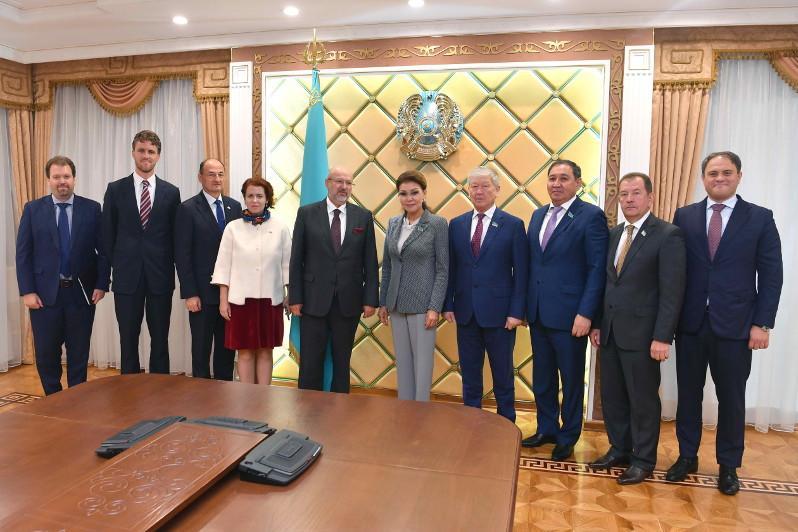 参议院议长会见欧安组织高级专员