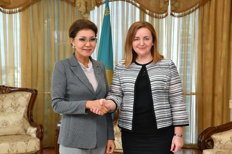 纳扎尔巴耶娃会见联合国秘书长特别代表娜塔莉亚•格尔曼