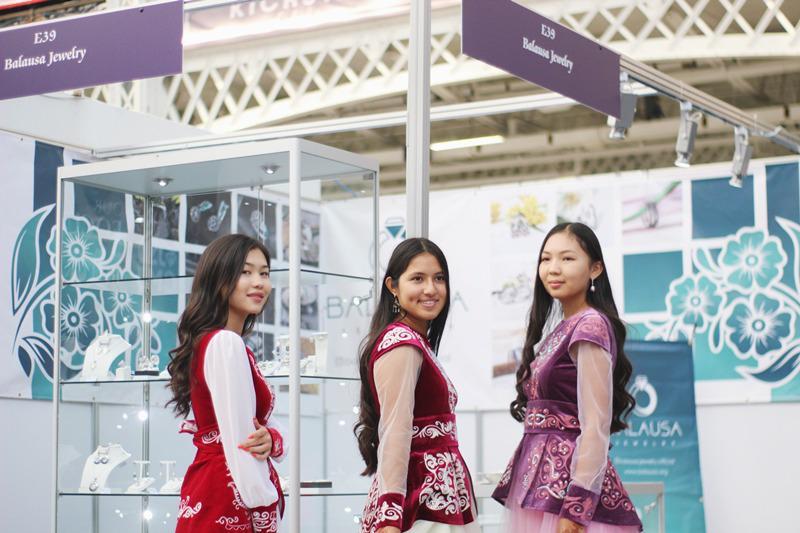 哈萨克斯坦珠宝公司参加伦敦国际珠宝展