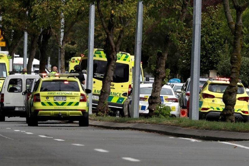 新西兰一载有中国游客巴士翻车6人遇难