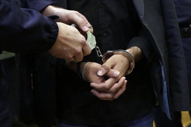 霍尔果斯口岸查获一起非法走私皮草服装案