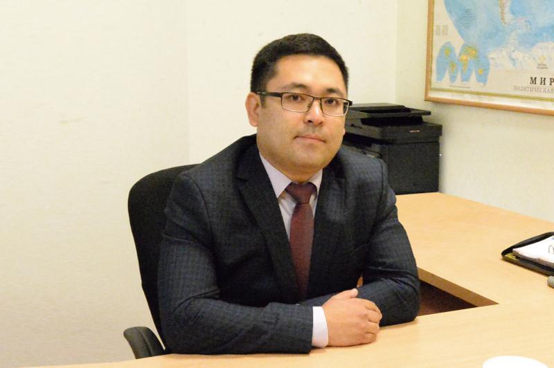 萨德克·阿克加诺夫出任总理新闻秘书