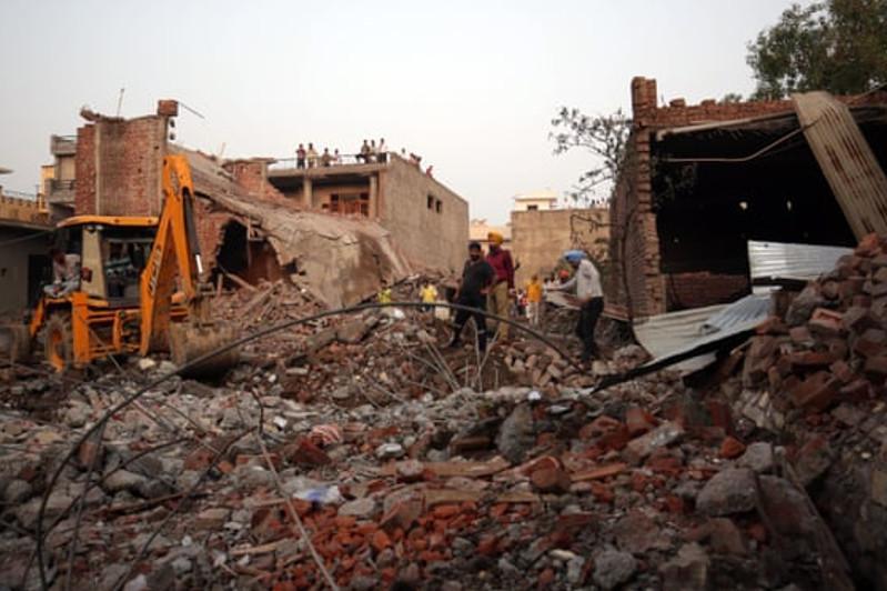 印度一烟花厂发生爆炸已致23人死亡