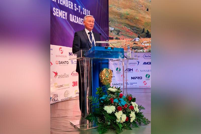 Международный конгресс нефрологов начал работу в Семее
