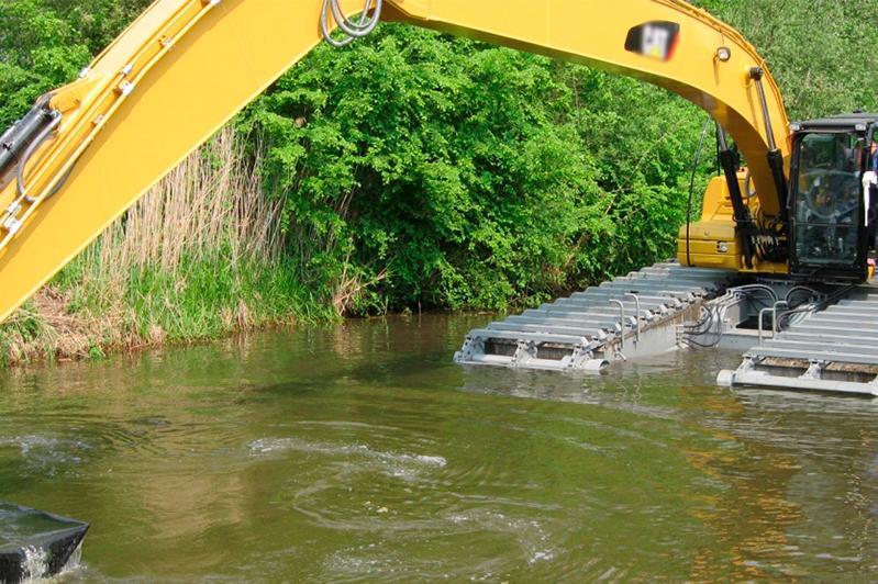 Более 2 тысяч кубометров мусора вывезли после очистки русел рек в Алматы