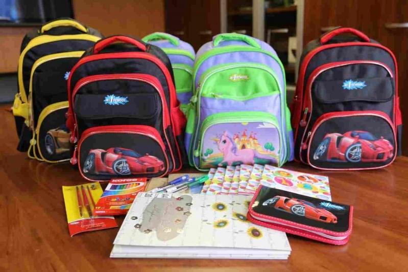Более 10 800 детей получили помощь к новому учебному году в Карагандинской области