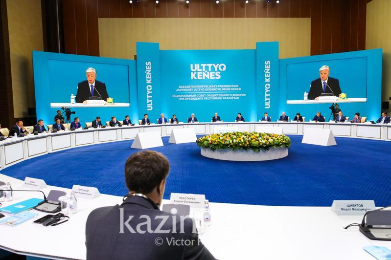 托卡耶夫:国家应听取公民的意见