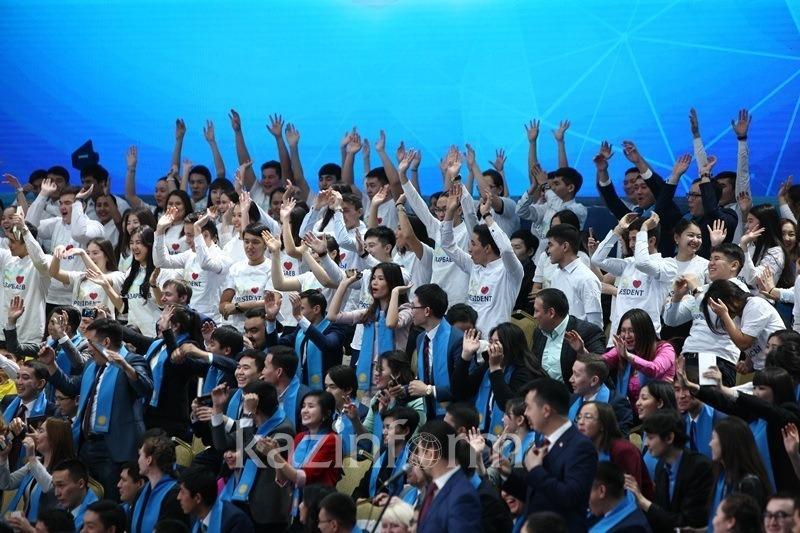 总统:哈萨克斯坦正建立总统青年人才储备库
