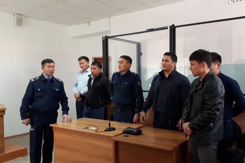 Ақтөбе тұрғынын азаптаған 4 полиция қызметкері сотталды