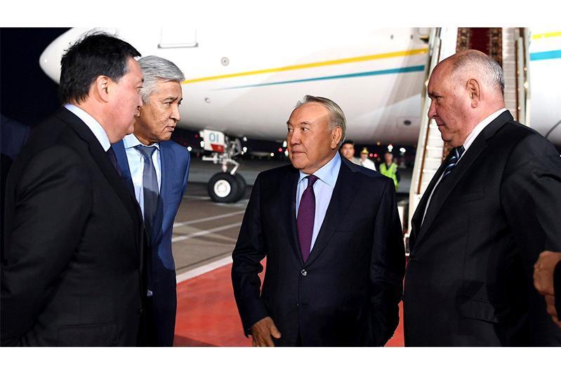 纳扎尔巴耶夫抵达莫斯科开始对俄罗斯进行工作访问