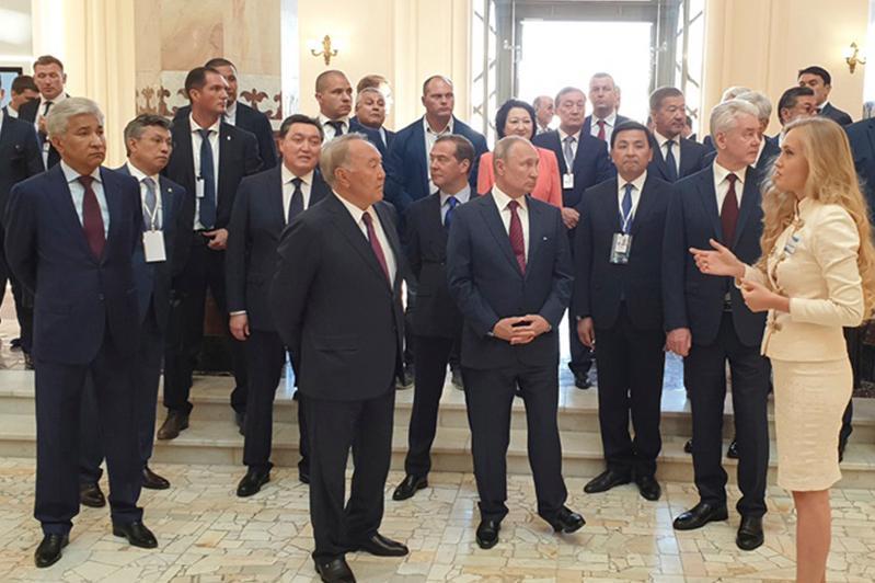 Елбасы принимает участие в открытии павильона «Казахстан» на ВДНХ