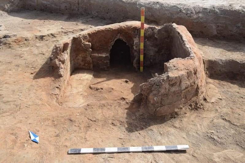 库勒托别古城遗址出土公元2世纪金质文物