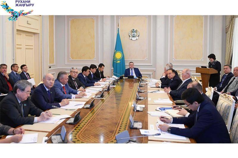 Марат Тажин провел заседание по подготовке к 175-летию Абая