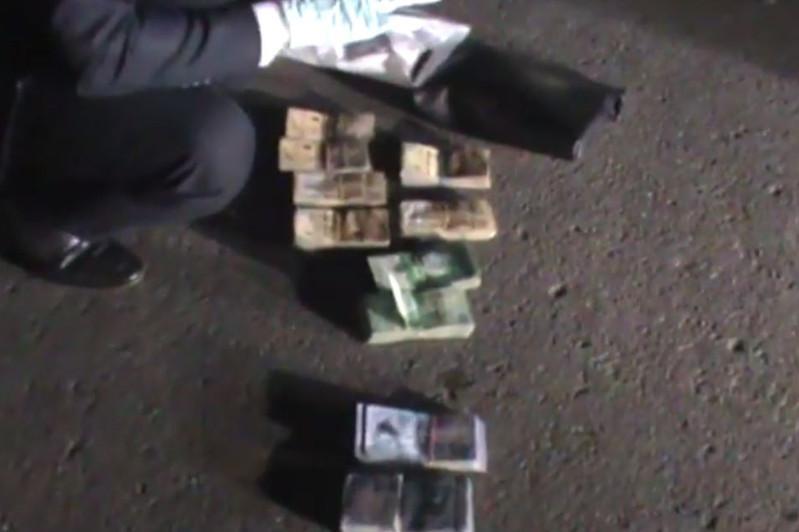 Замакима одного из районов столицы подозревается в получении взятки в 5 млн тенге