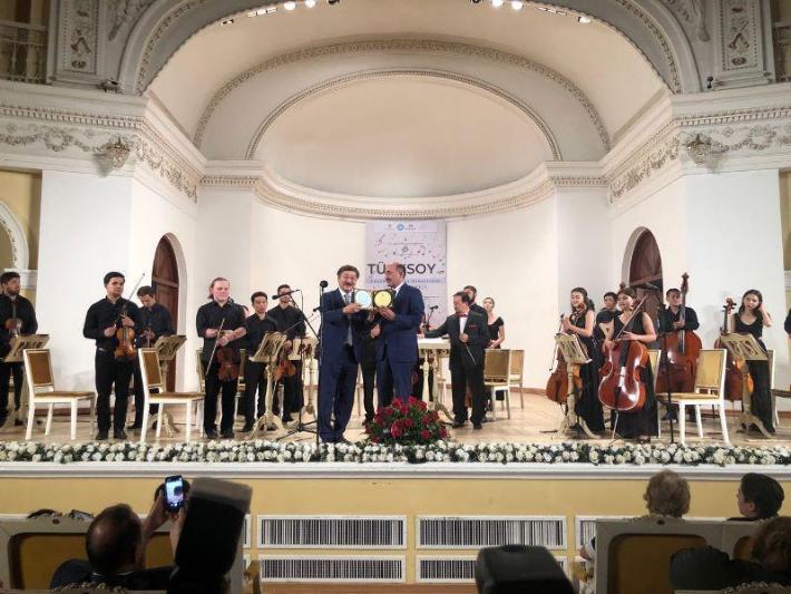 Молодежный камерный оркестр ТЮРКСОЙ выступил в Баку