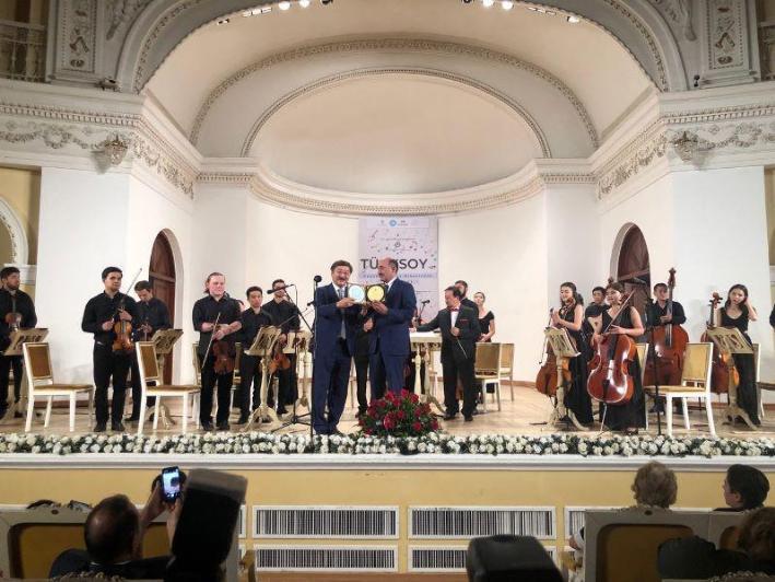 突厥文化国际组织青年室内乐团在巴库出演