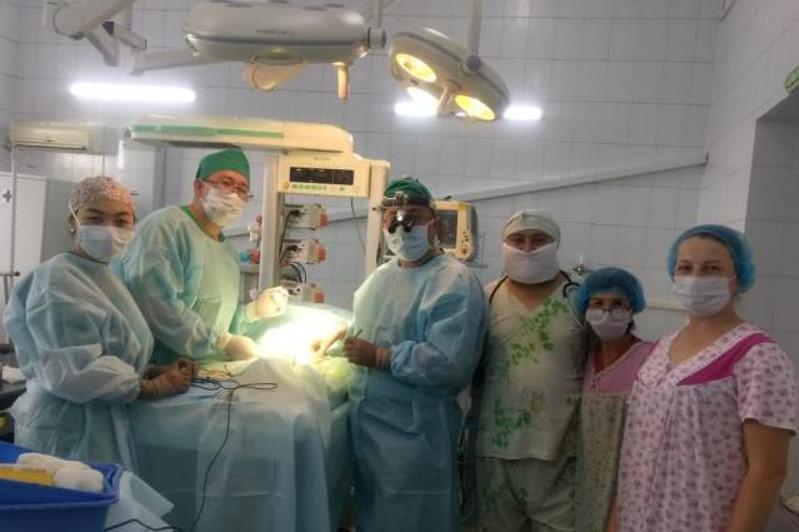 Павлодарские кардиохирурги провели экстренную операцию новорожденному из Семея