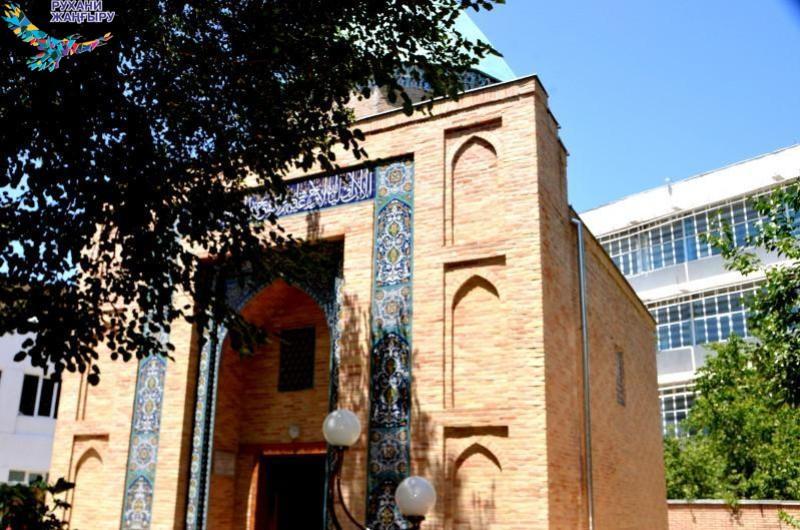 Қызылордалық ардагерлер өзбек жеріндегі тарихи орындарды аралады