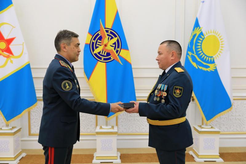 Министр обороны РК вручил награды призерам и победителям Армейских игр