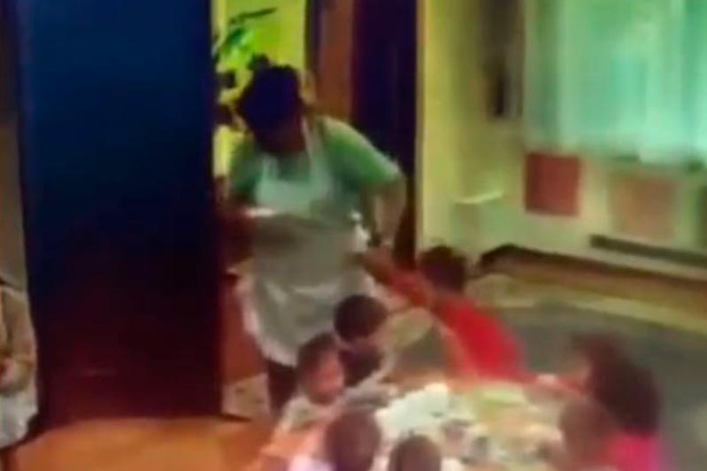 Воспитательница детсада в Алматы уволилась после нашумевшего видео в Сети