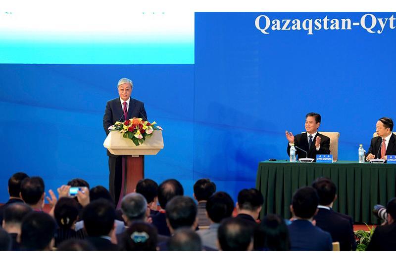 托卡耶夫总统出席哈中企业家委员会第6次全体会议